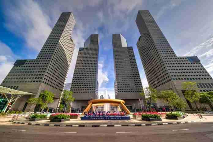 Suntec City Singapore   magazine.vaniday.com