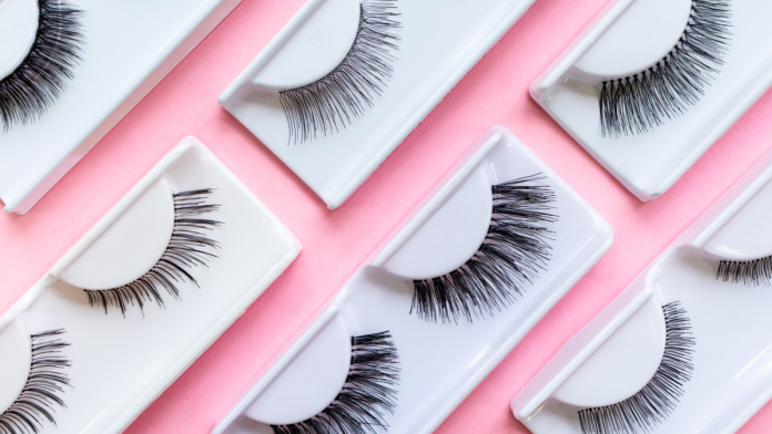 Eyelash Extensions: Here's All You Need to Know | Vaniday | magazine.vaniday.com