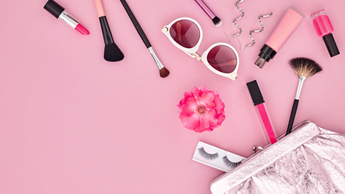 6 Makeup Tips For People Who Are Always Late | magazine.vaniday.com