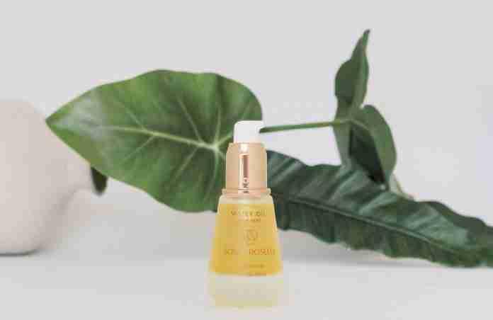 How Facial Oils Can Help You Get Baby Soft Skin | magazine.vaniday.com