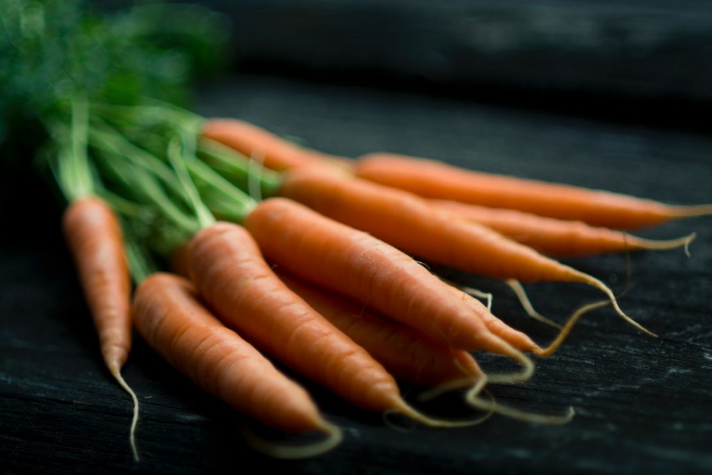 Carrots | 8 Best Anti-Cancer Foods to Add to Your Diet | magazine.vaniday.com